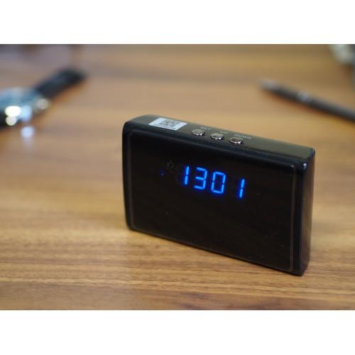 Mini IP kamera ve stolních hodinách Secutek WIP-28