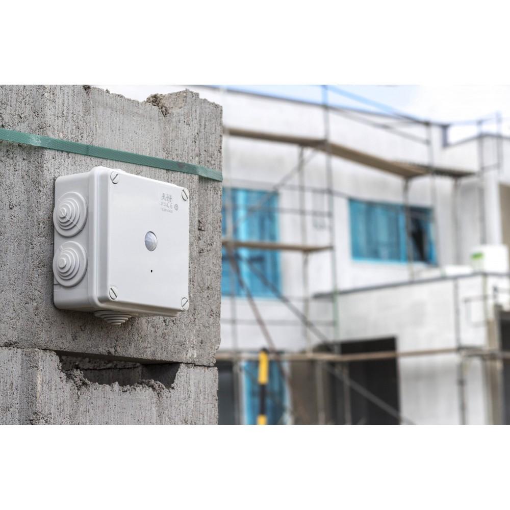 Skrytá WiFi kamera v elektroinstalační krabici